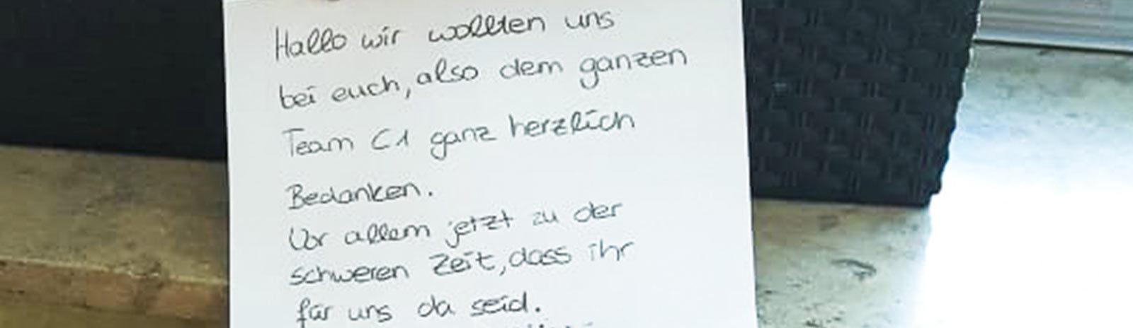 Osterkörbchen-gefüllt-und-Brief.jpg_WEB